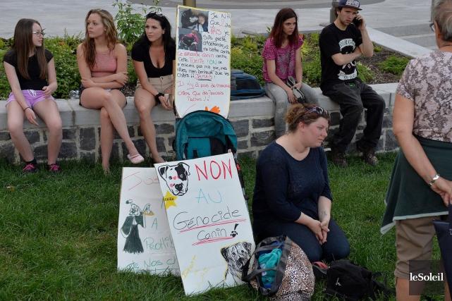 Certains manifestants présents à la manifestation de samedi... (Le Soleil, Pascal Ratthé)