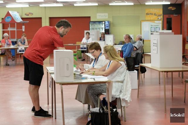 Aux élections municipales de Beaupré et Donnacona, les... (Le Soleil, Jean-Marie Villeneuve)