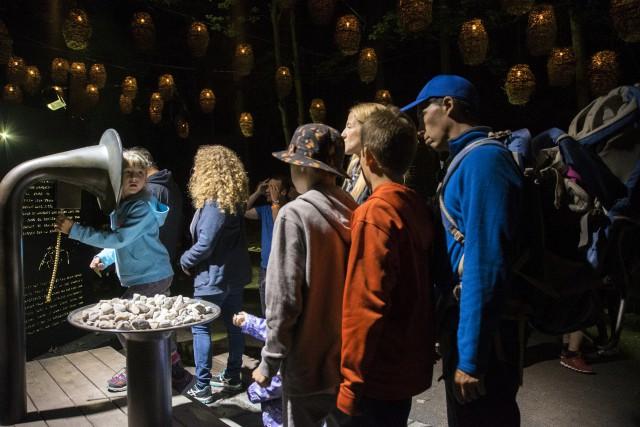 Le parcours nocturne Foresta Lumina a connu une... (Spectre média, Marie-Lou Béland)