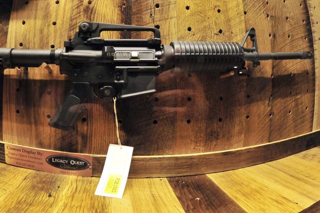 Un AR-15.... (Agence France-Presse, Karen Bleier)