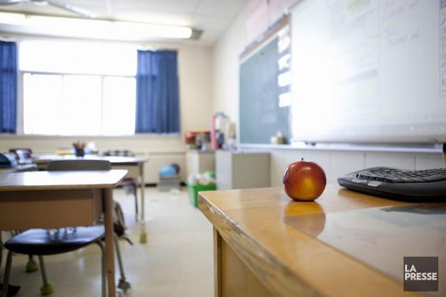 Les enseignants ont protesté. Ils ont réclamé des consultations avec la... (PHOTO Archives La Presse)