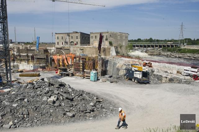 La centrale Hull 2 est située aux chutes... (Martin Roy, LeDroit)