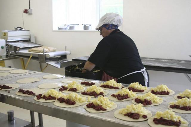 Ils ont rempli les estomacs de générations de mineurs mais les Cornish... (PHOTO AFP)