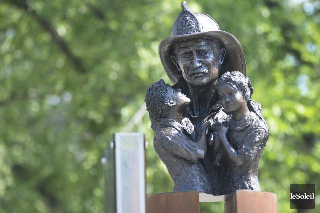 La pièce maîtresse du mémorial est une sculpture... (Le Soleil, Jean-Marie Villeneuve)