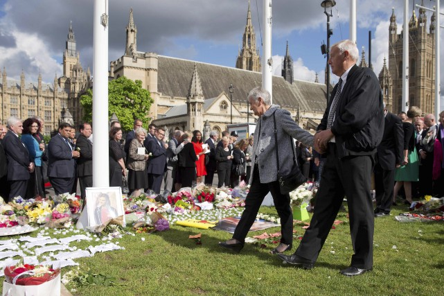Les parents de Jo Cox, Jean et Gordon... (AFP, Justin Tallis)