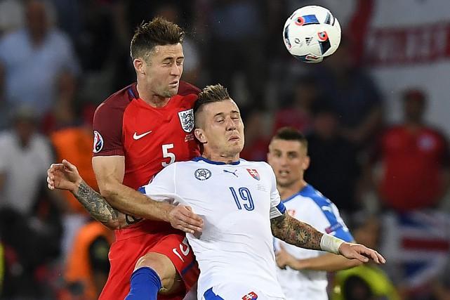 L'Angleterre s'est qualifiée pour les huitièmes de finale de l'Euro 2016 après... (Associated Press)