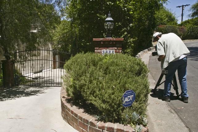 Selon la police de Los Angeles, l'accident mortel... (AP, Damian Dovarganes)