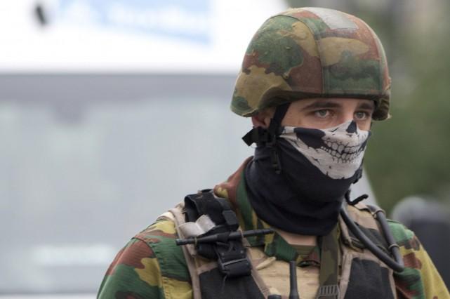 Les forces policières et militaires ont été déployées.... (AP, Virginia Mayo)