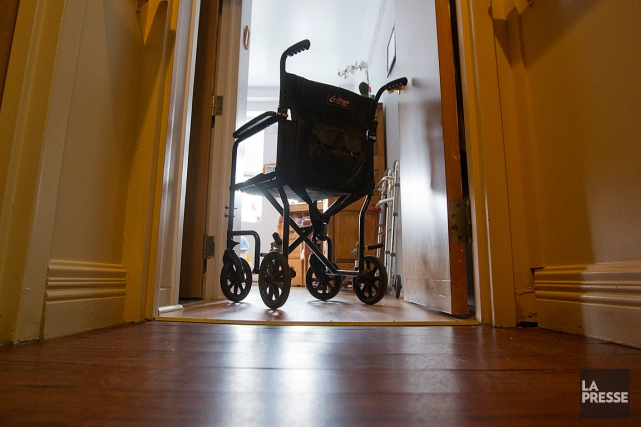 Des personnes qui demeurent dans une résidence privée pour aînés à Rimouski... (PHOTO IVANOH DEMERS, ARCHIVES LA PRESSE)