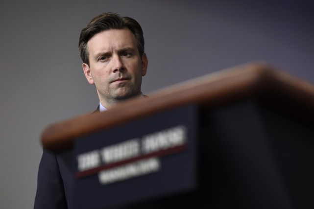 Josh Earnest est le porte-parole du président Obama.... (PHOTO Susan Walsh, ARCHIVES AP)