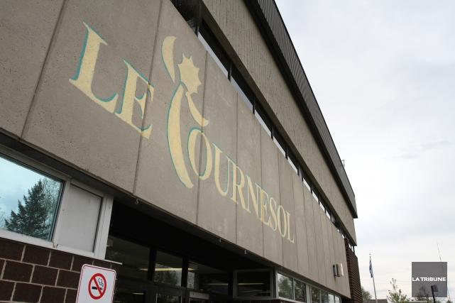 Le personnel et les élèves de l'école du Tournesol sont sous le choc après... (Archives La Tribune, René Marquis)