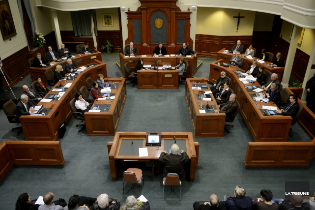 La Ville de Sherbrooke modifie son règlement concernant la période de questions... (Archives La Tribune, Frédéric Côté)