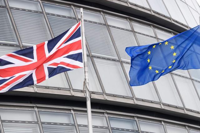 ÉDITORIAL / Les Britanniques iront aux urnes jeudi pour décider s'ils coupent... (Leon Neal, AFP)
