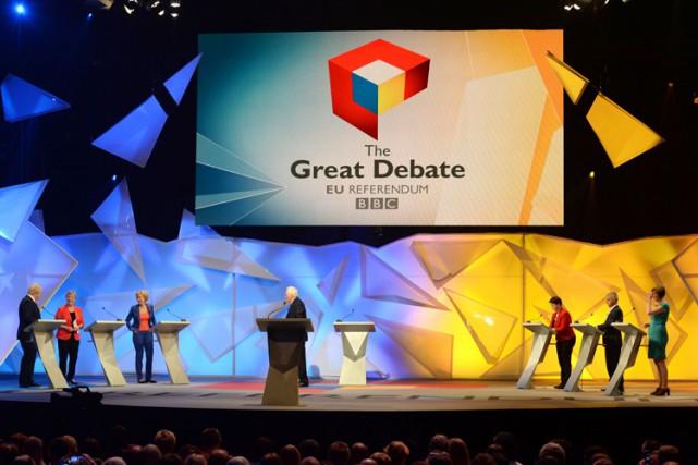 Le débat opposait trois responsables de chaque camp,... (PHOTO AFP)
