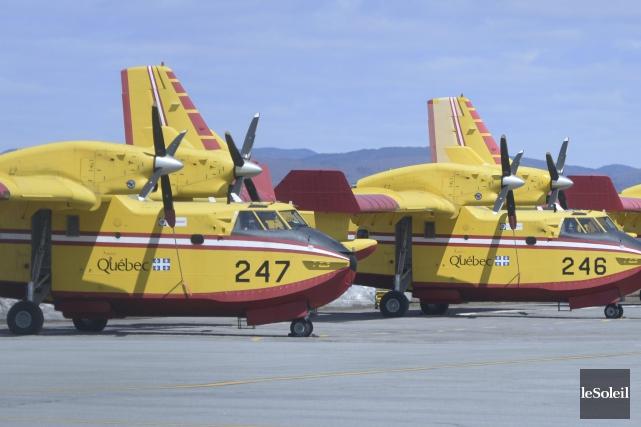 Le Service aérien gouvernemental dispose de 14 avions-citernes... (Archives Le Soleil, Jean-Marie Villeneuve)