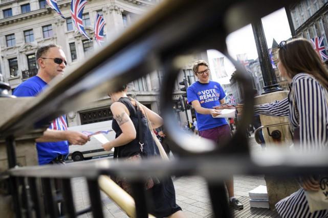 La campagne des opposants au «Brexit» s'est activée,... (Leon Neal, AFP)