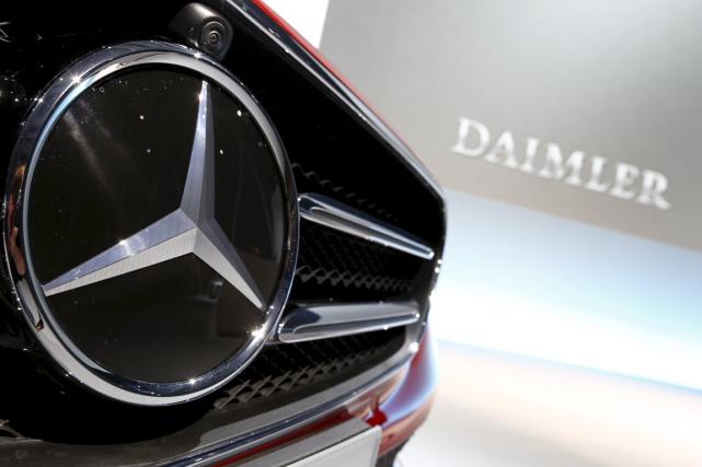 Le constructeur automobile Daimler, maison mère des marques Mercedes-Benz et... (Photo Michaela Rehle, archives Reuters)