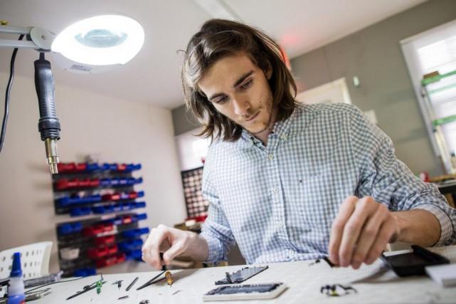 Jérémy Caudron, propriétaire de Micro-Techno, comprend le peu... (photo edouard plante-fréchette, la presse)