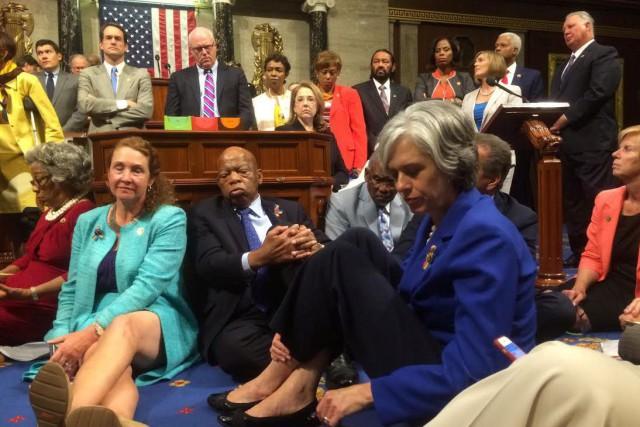 Les démocrates sont déterminés à faire le plus... (PHOTO REUTERS)