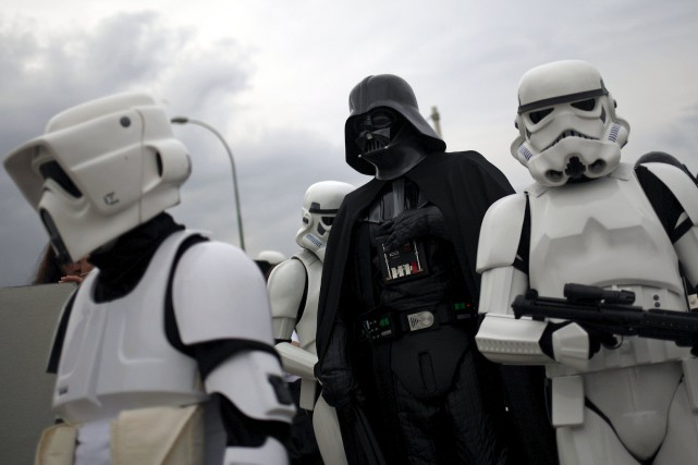 La rumeur courait sur une réapparition de Darth... (PHOTO ARCHIVES REUTERS)