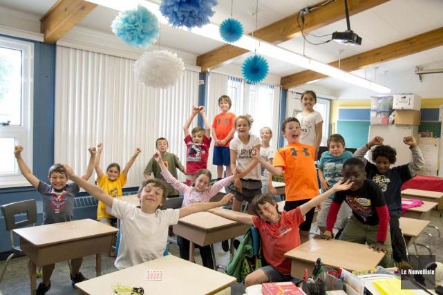 On aperçoit ici des élèves de 3e année... (Sylvain Mayer, Le Nouvelliste)