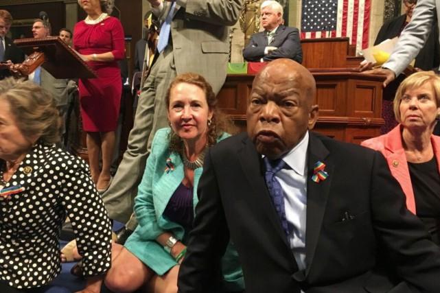 John Lewis, élu noir de Géorgie et figure... (Photo AP)