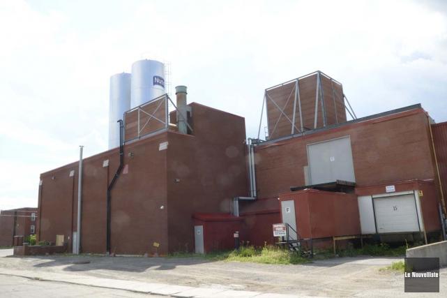 Un des silos de la Crémerie des Trois-Rivières... (Sylvain Mayer, Le Nouvelliste)