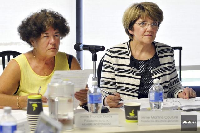 La présidente et la présidente-directrice générale du CIUSSS,... (Photo Le Quotidien, Rocket Lavoie)