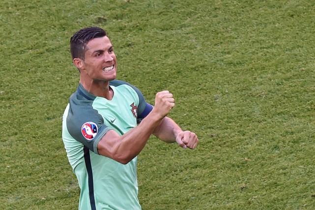 Ronaldo inscrivait ses premiers buts à cet Euro.... (PHOTO AFP, JEAN-PHILIPPE KSIAZEK)