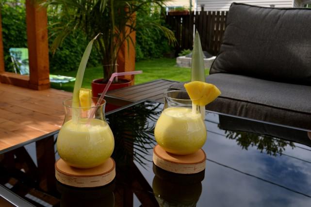 Avec l'arrivée de l'été, quoi de mieux qu'un bon cocktail sur la terrasse pour... (Photo Claudie Laroche)