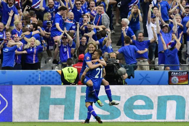 L'Islande affrontera l'Angleterre en huitièmes de finale de... (Photo Tobias Schwarz, AFP)