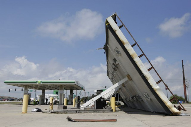 Les autorités ont fait état d'au moins sept... (PHOTO Teresa Crawford, AP)
