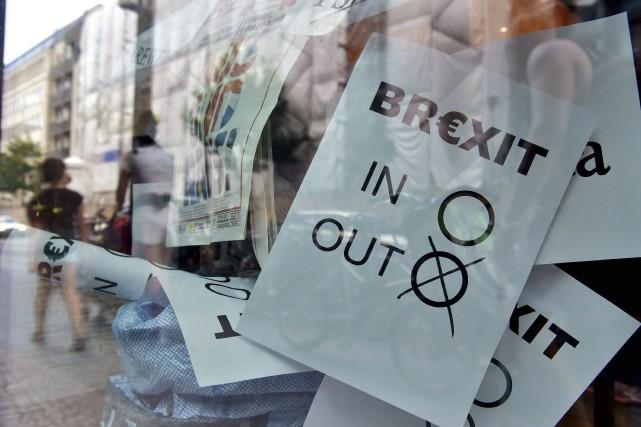 Le Royaume-Uni s'est prononcé pour un retrait de... (AFP, John MACDOUGALL)