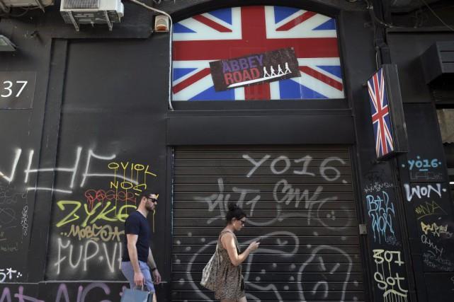 Les entreprises, investisseurs et économistes du Canada sont confrontés... (PHOTO LOUISA GOULIAMAKI, AFP)