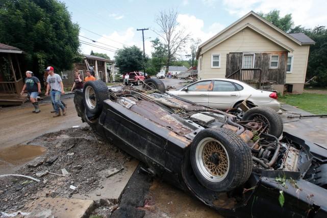 Vingt centimètres d'eau sont tombés en 24 heures... (Photo AP, Steve Helber)