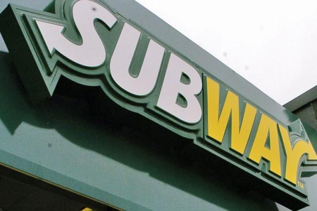 Trois jeunes hommes ont braqué un restaurant Subway... (Photo archives La Presse)