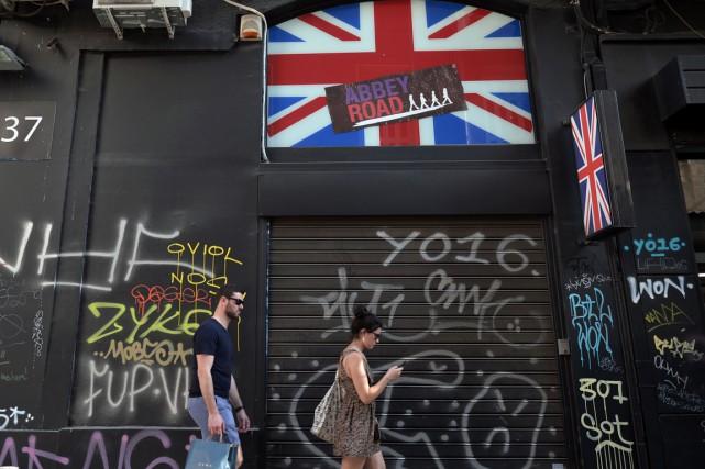 La décision surprenante des Britanniques de se retirer de l'Union européenne... (Photo AFP)