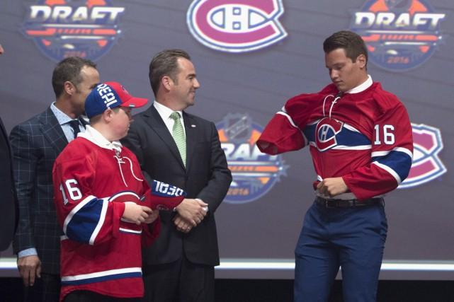 Sergachev (à droite) est doté d'un puissant lancer,... (Photo La Presse Canadienne)