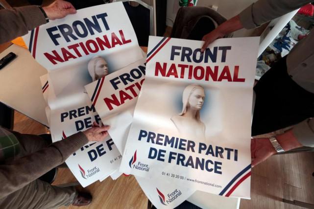 Trois militants du Parti québécois (PQ) se sont rendus en France pour présenter... (Photo Reuters)