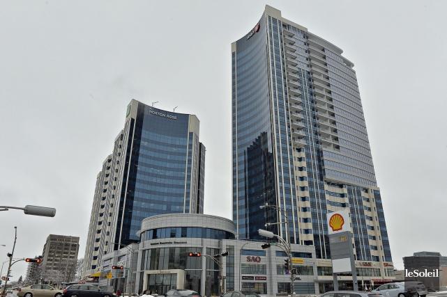 Le Complexe Jules-Dallaire, situé sur le boulevard Laurier... (Photothèque Le Soleil, Pascal Ratthé)
