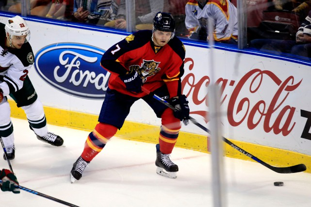 Dmitry Kulikov... (PHOTO ROBERT MAYER, ARCHIVES USA TODAY)