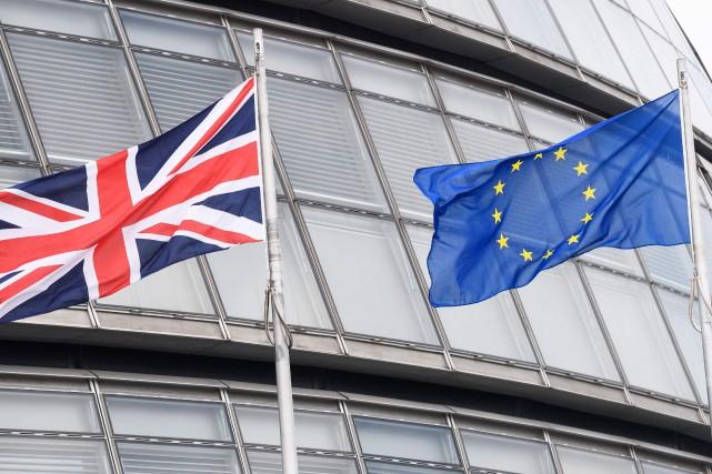 Le Royaume-Uni a franchi mercredi une première étape vers la mise en oeuvre du... (Photo Leon Neal, archives Agence France-Presse)