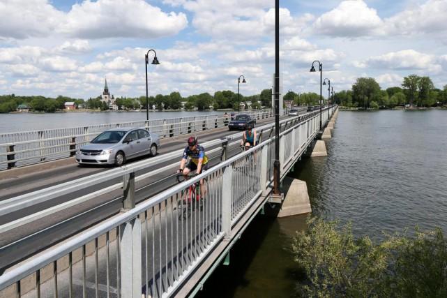 Le remplacement du pont Gouin, l'un des plus... (Photo Robert Skinner, La Presse)