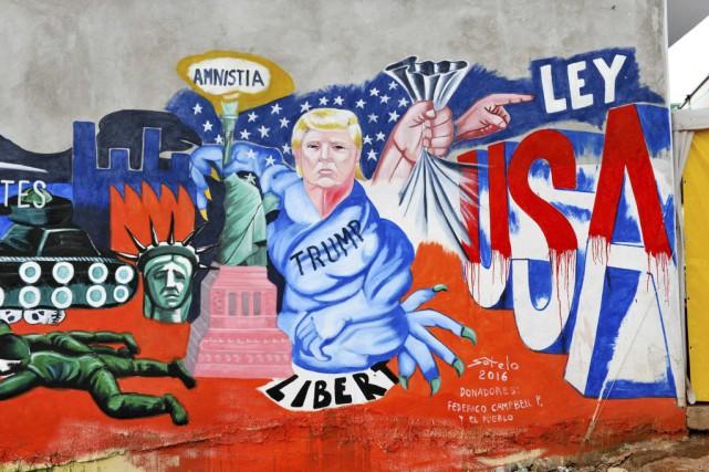 À Tijuana, ville frontalière avec la Californie, plusieurs... (PHOTO MARIO VAZQUEZ, AFP)