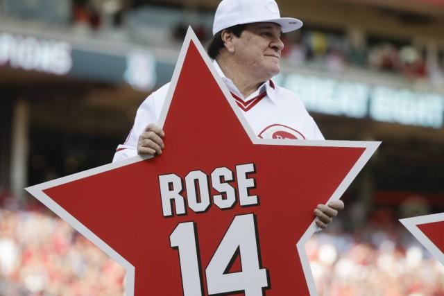 Dimanche, les Reds ont ajouté le no14 de... (PHOTO JOHN MINCHILLO, AP)