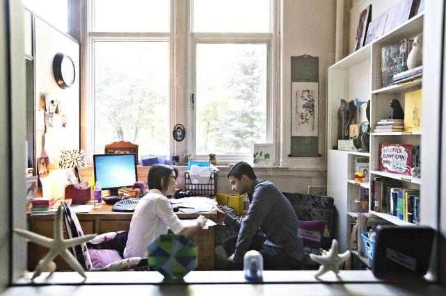 En Mme Canuel, Abou Bakra trouvé un mentor... (La Presse Canadienne, Jason Franson)