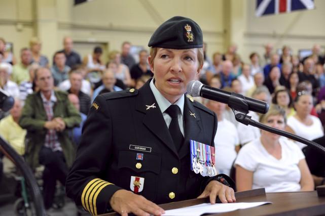 La brigadier-général Jennie Carignan est originaire d'Asbestos et... (Photo fournie par la Presse Canadienne)