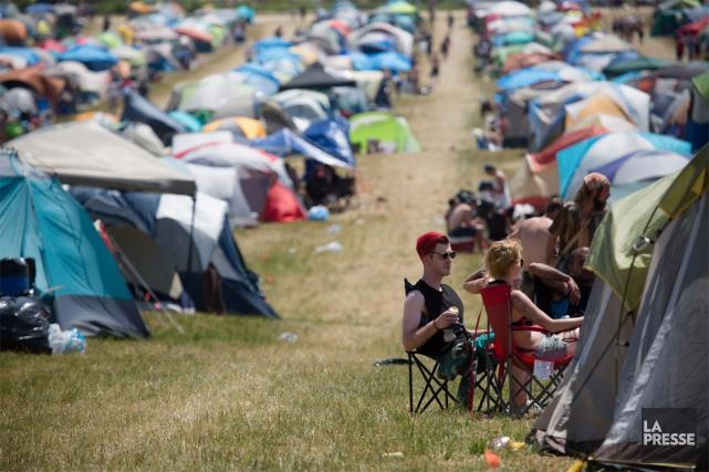 Le Rockfest a attiré cette année près de... (PHOTO NINON PEDNAULT, LA PRESSE)