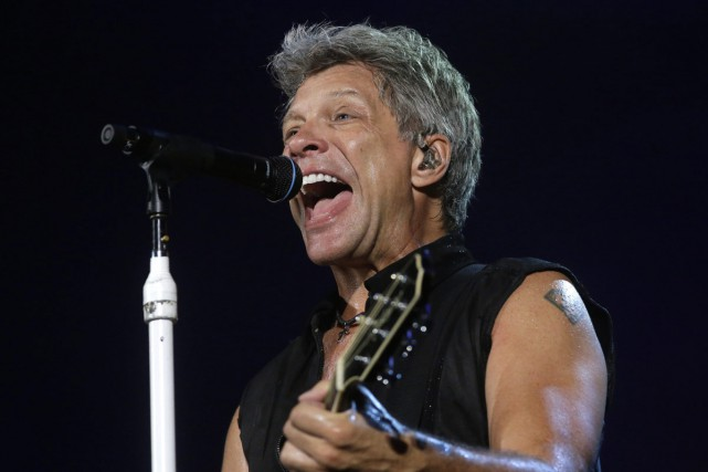 Jon Bon Jovi lors d'un spectacle à Jakarta... (PHOTO ARCHIVES AP)