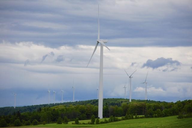 Après le déboisement et la construction des routes, les premières éoliennes... (Collaboration spéciale Johanne Fournier)